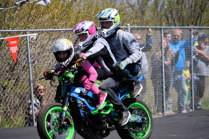 TWINSTUNTS BIKE SHOW FOX VALLEY WI