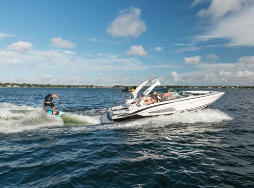 Regal 25 RX Surf Boat