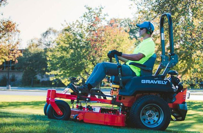 Gravely Pro Turn 100 Mowers