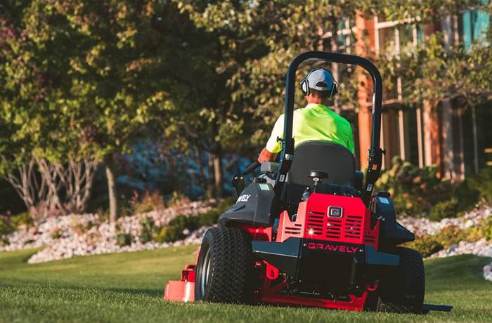 Gravely Pro Turn 200 Mowers