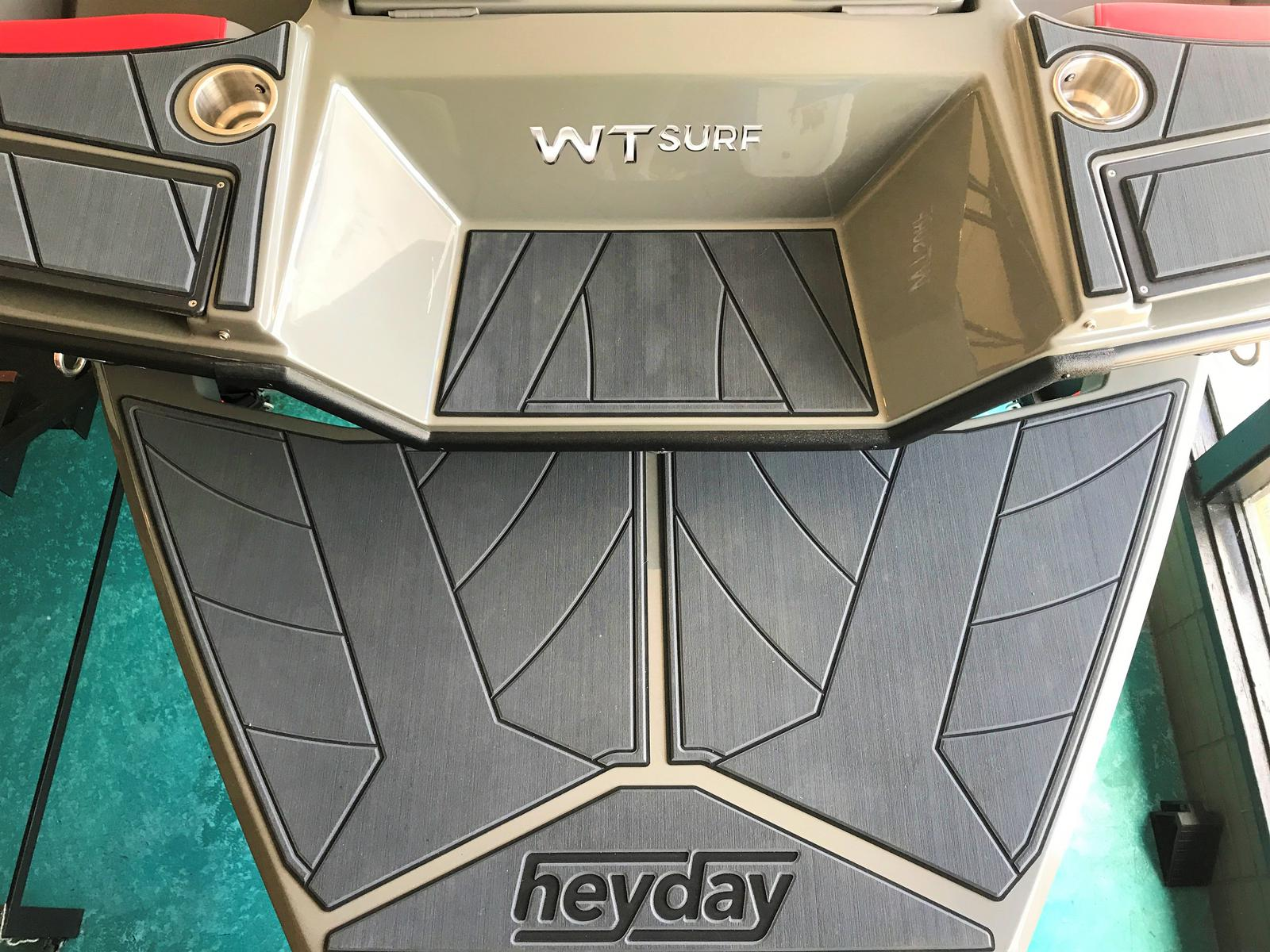 2019 Heyday boat for sale, model of the boat is WT Surf & Image # 2 of 5