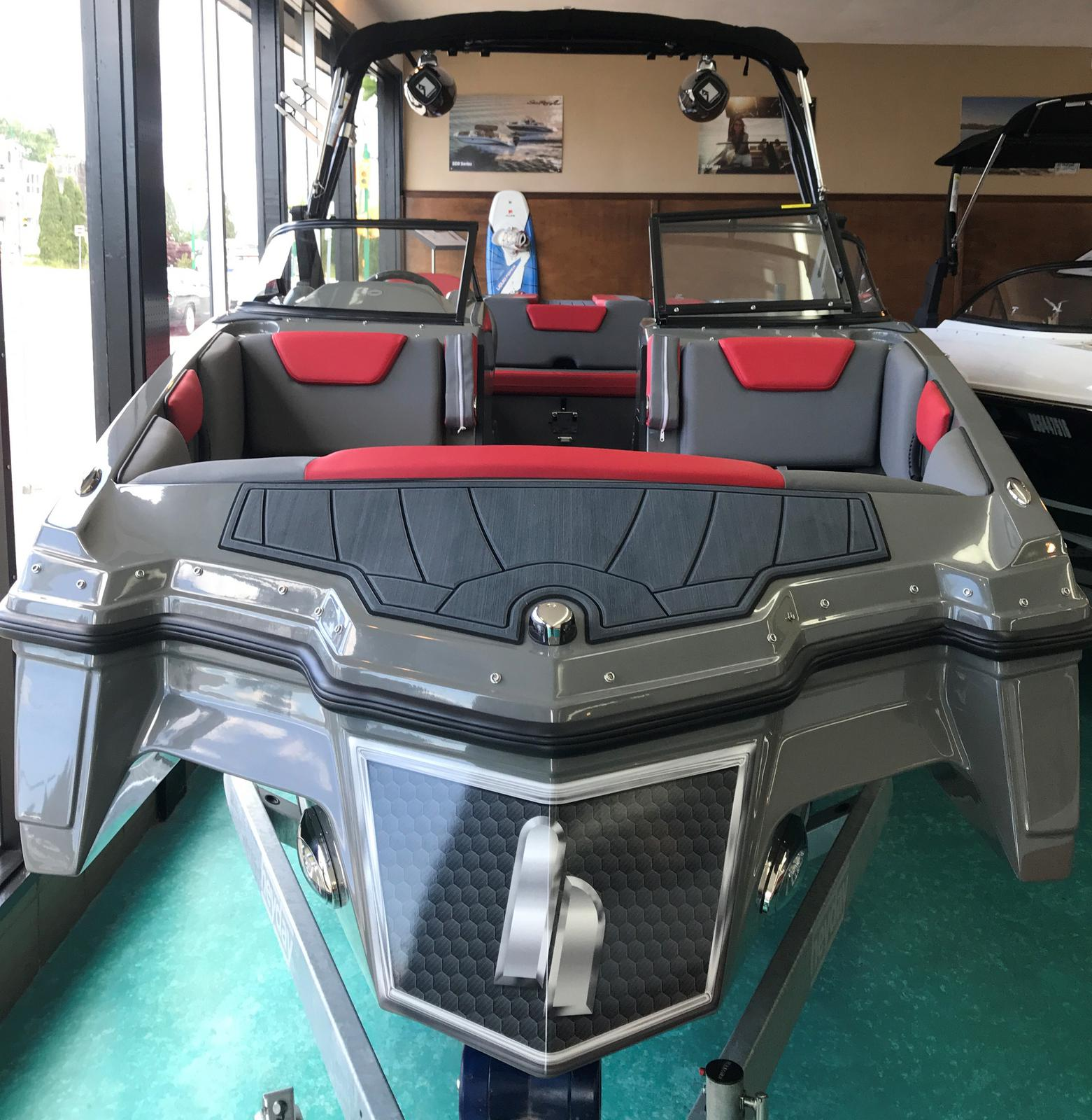 2019 Heyday boat for sale, model of the boat is WT Surf & Image # 3 of 5