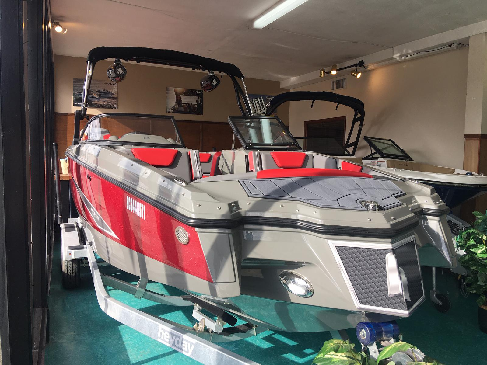 2019 Heyday boat for sale, model of the boat is WT Surf & Image # 1 of 5
