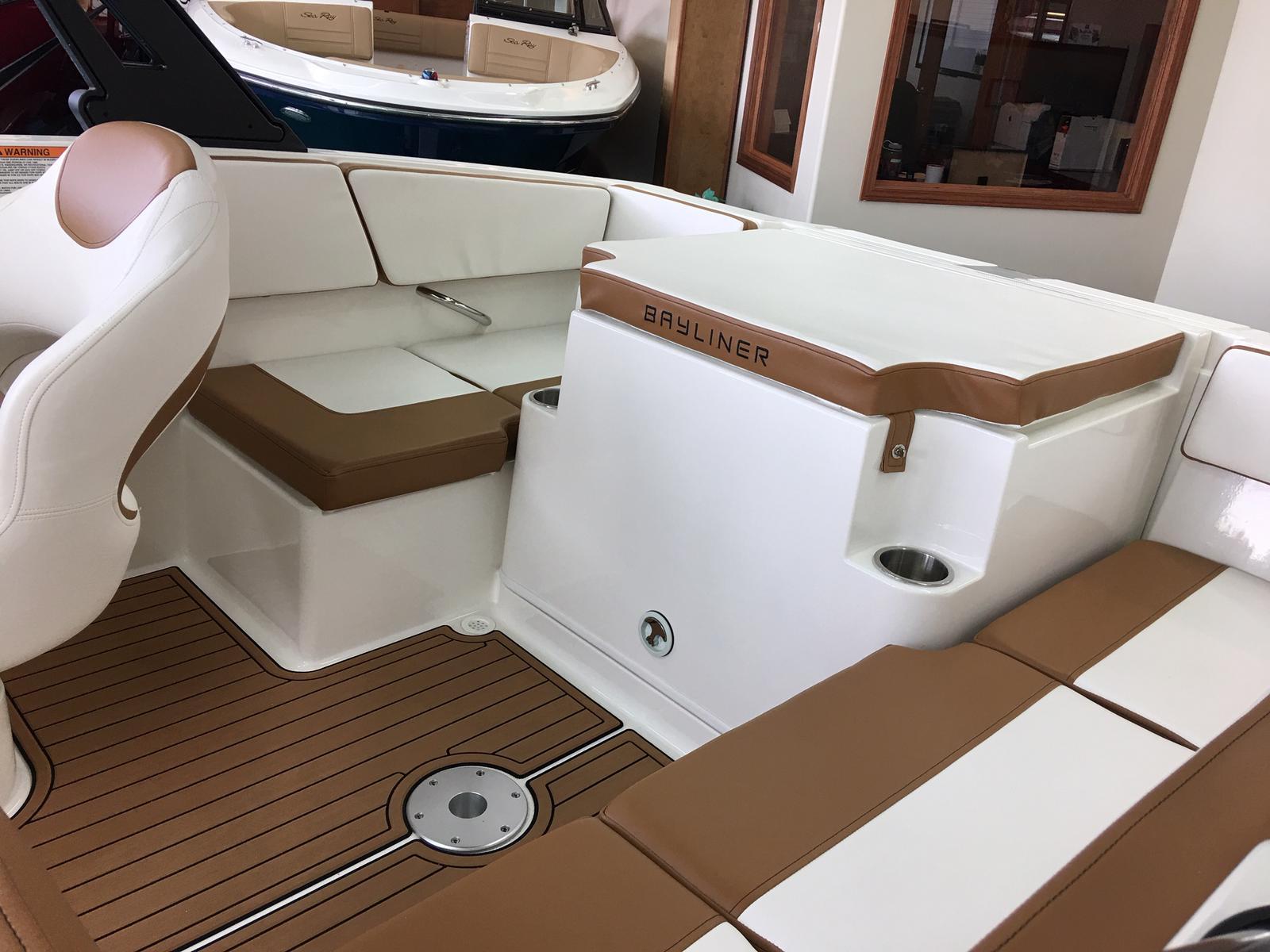 2019 Bayliner boat for sale, model of the boat is VR4 Bowrider & Image # 4 of 22