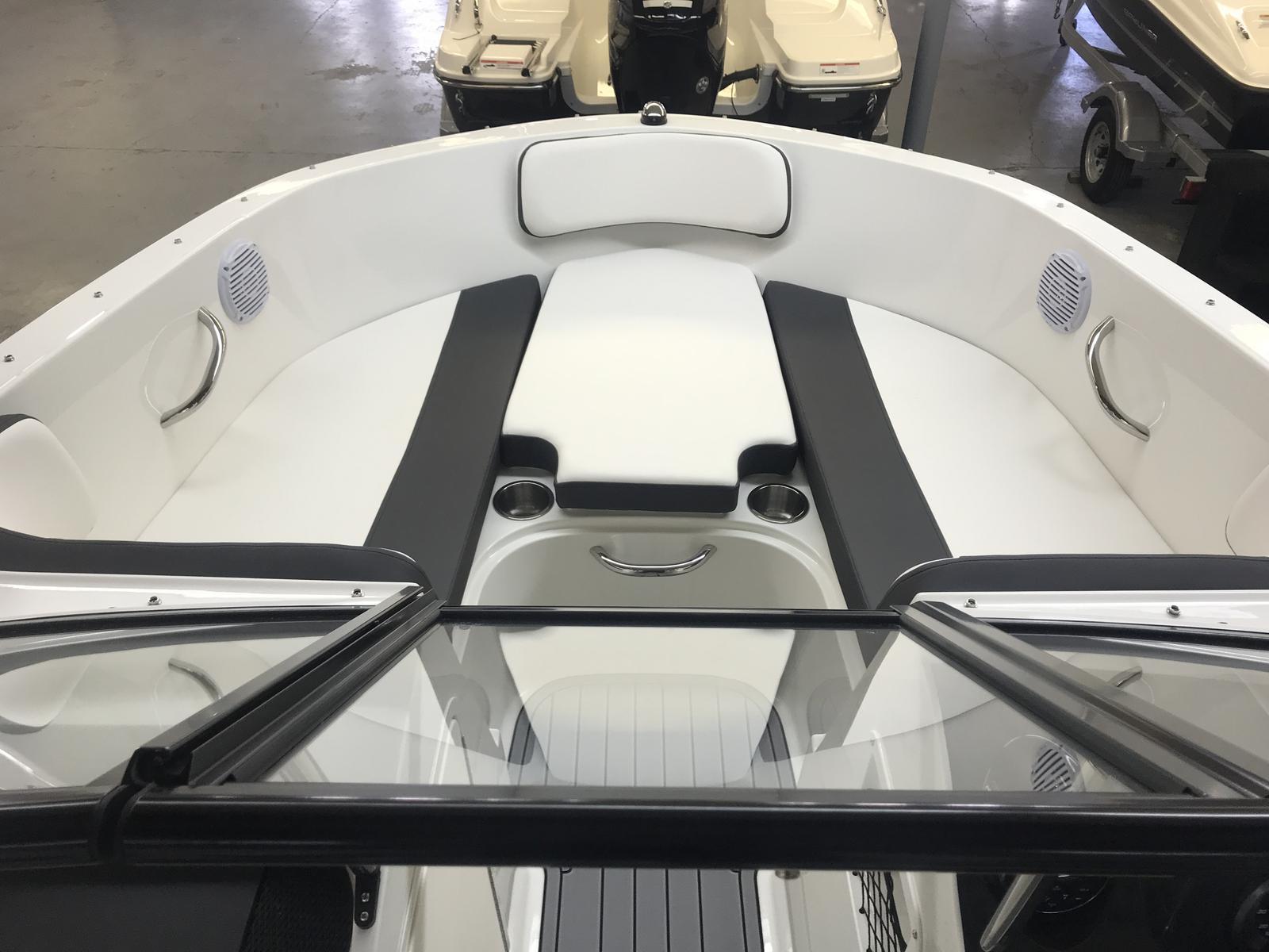 2019 Bayliner boat for sale, model of the boat is VR4 Bowrider & Image # 3 of 21