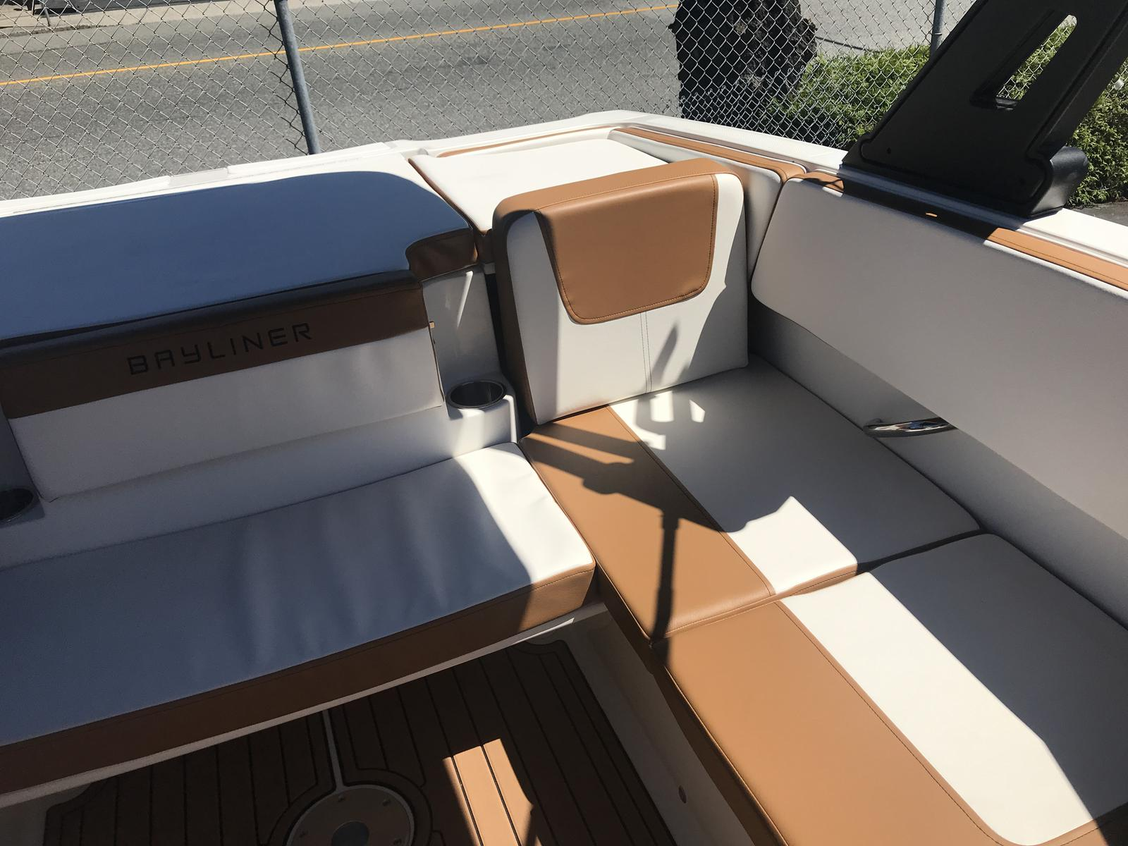 2019 Bayliner boat for sale, model of the boat is VR4 Bowrider & Image # 3 of 23