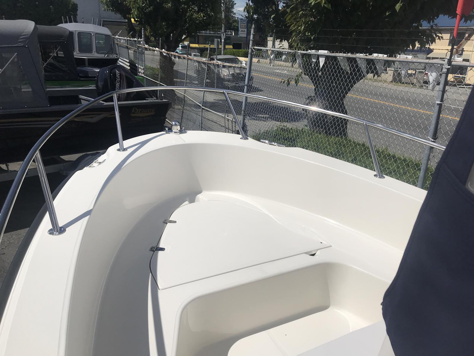 2019 Boston Whaler boat for sale, model of the boat is 190 Outrage & Image # 4 of 12