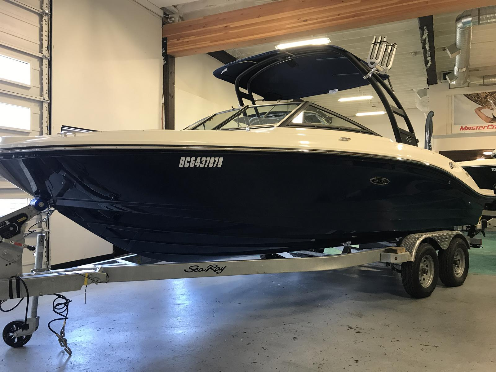 2019 Sea Ray boat for sale, model of the boat is SPX 210 & Image # 1 of 12