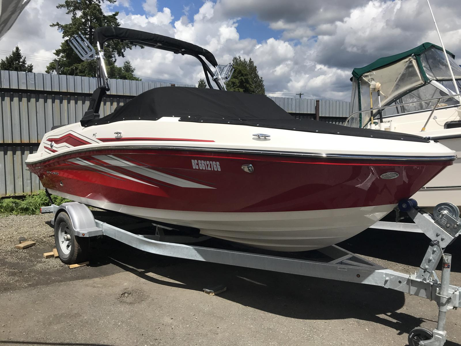 2019 Bayliner boat for sale, model of the boat is VR5 Bowrider & Image # 2 of 22