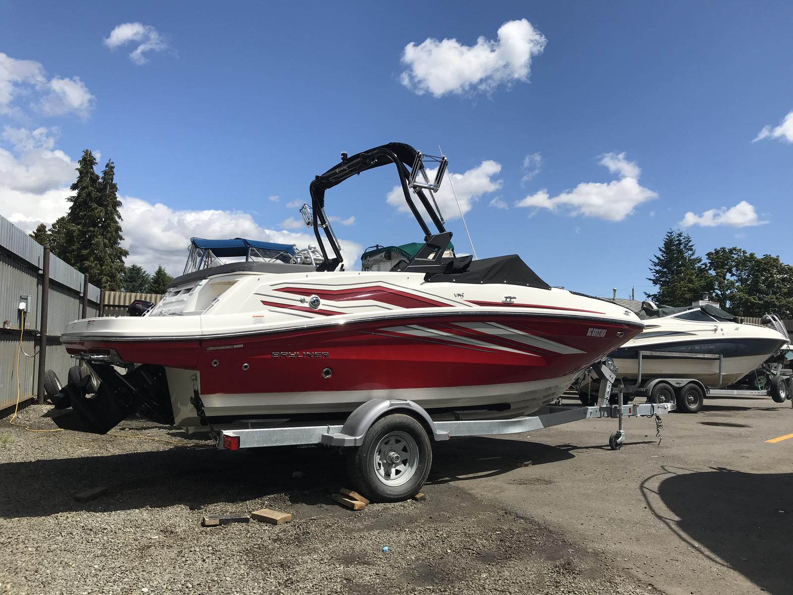 2019 Bayliner boat for sale, model of the boat is VR5 Bowrider & Image # 1 of 22