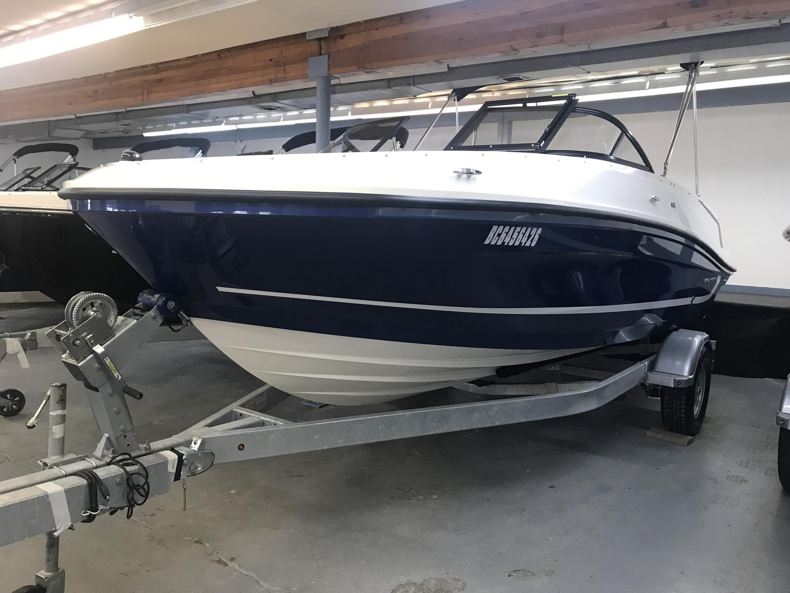 2019 Bayliner boat for sale, model of the boat is VR5 Bowrider & Image # 1 of 20