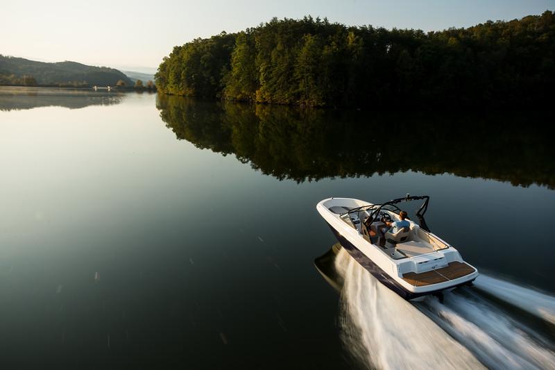 2021 Bayliner boat for sale, model of the boat is VR4 Bowrider & Image # 2 of 18