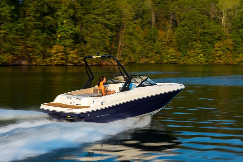 2021 Bayliner boat for sale, model of the boat is VR4 Bowrider & Image # 1 of 18