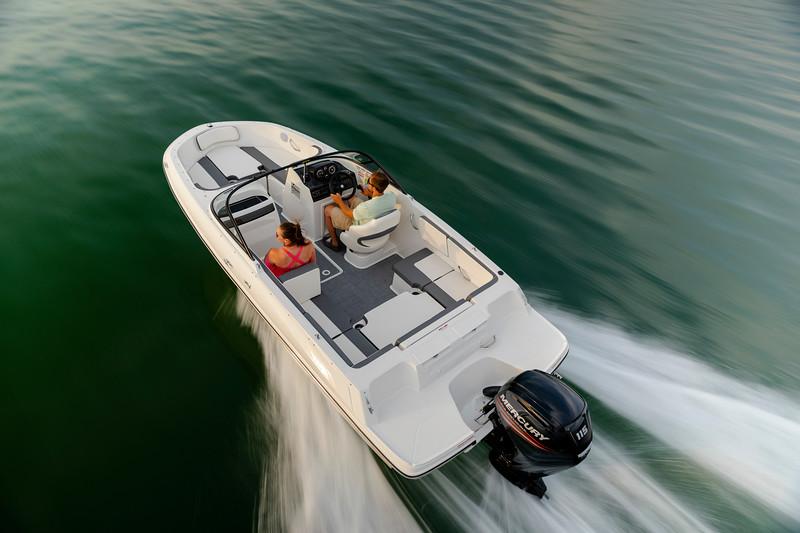 2021 Bayliner boat for sale, model of the boat is VR4 Bowrider & Image # 3 of 18