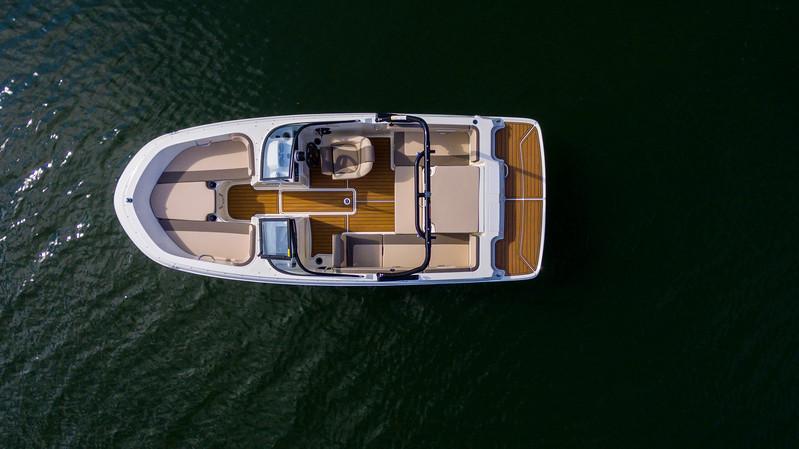2021 Bayliner boat for sale, model of the boat is VR4 Bowrider & Image # 5 of 18