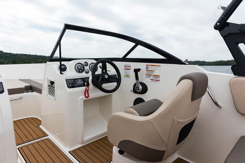 2021 Bayliner boat for sale, model of the boat is VR4 Bowrider & Image # 7 of 18