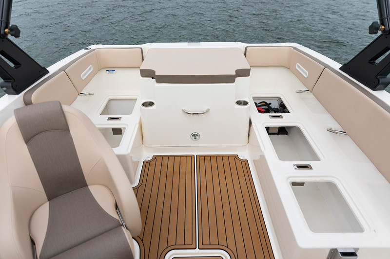 2021 Bayliner boat for sale, model of the boat is VR4 Bowrider & Image # 16 of 18