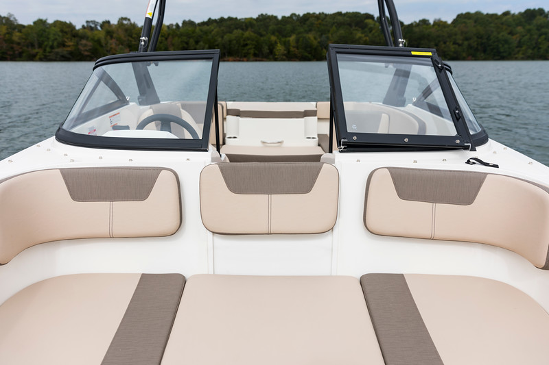 2021 Bayliner boat for sale, model of the boat is VR4 Bowrider & Image # 18 of 18