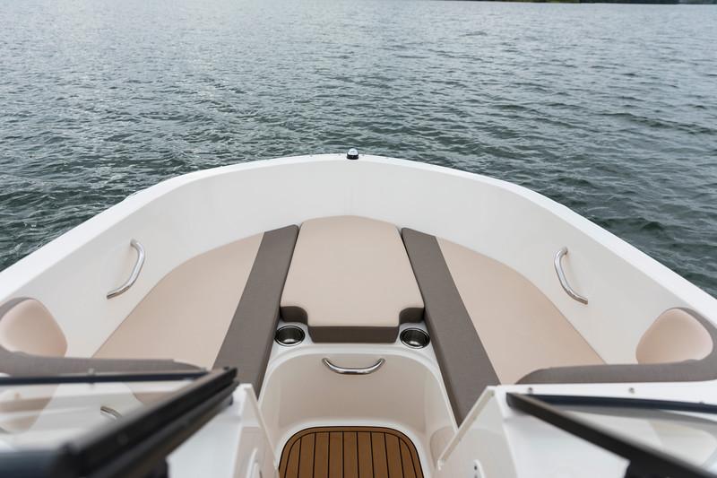 2021 Bayliner boat for sale, model of the boat is VR4 OB Bowrider & Image # 6 of 18