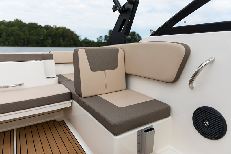 2021 Bayliner boat for sale, model of the boat is VR4 OB Bowrider & Image # 12 of 18