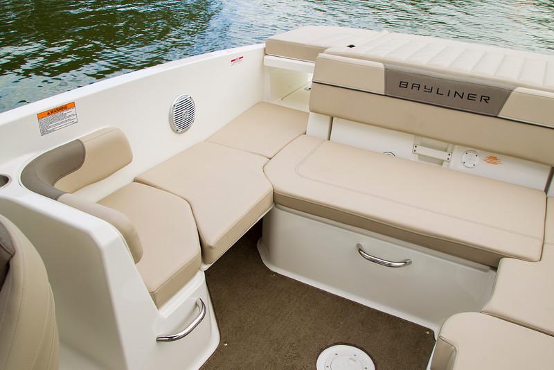 2021 Bayliner boat for sale, model of the boat is VR6 Bowrider & Image # 4 of 14