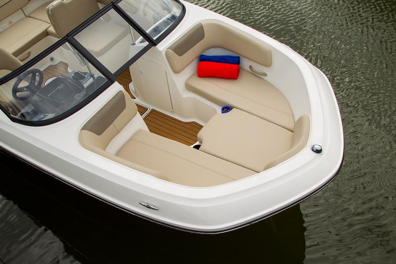 2021 Bayliner boat for sale, model of the boat is VR6 Bowrider & Image # 5 of 14