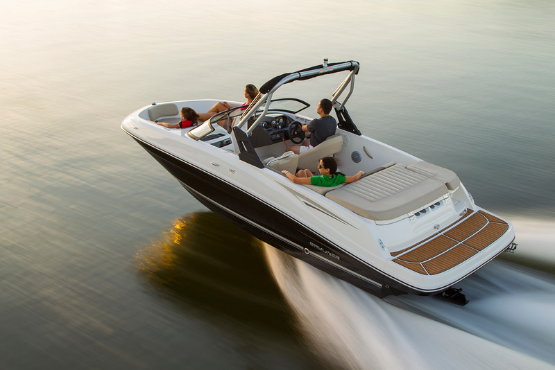 2021 Bayliner boat for sale, model of the boat is VR5 Bowrider & Image # 1 of 15