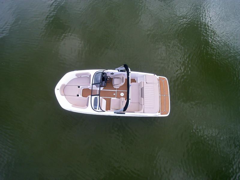 2021 Bayliner boat for sale, model of the boat is VR5 Bowrider & Image # 4 of 15