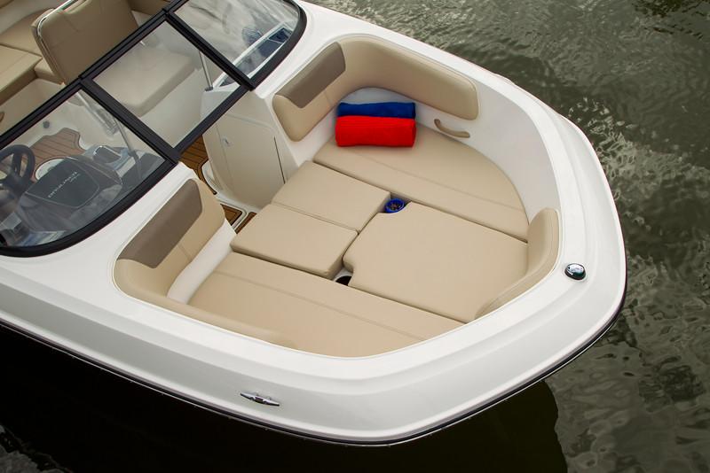 2021 Bayliner boat for sale, model of the boat is VR5 Bowrider & Image # 6 of 15