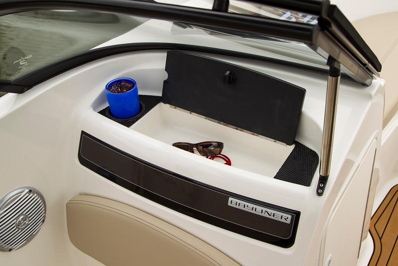 2021 Bayliner boat for sale, model of the boat is VR5 Bowrider & Image # 11 of 15