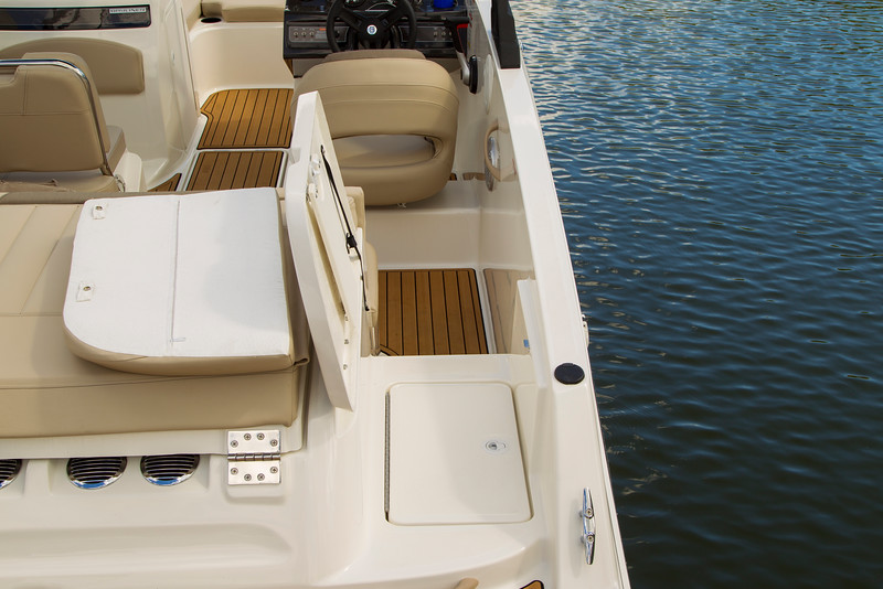 2021 Bayliner boat for sale, model of the boat is VR5 Bowrider & Image # 14 of 15