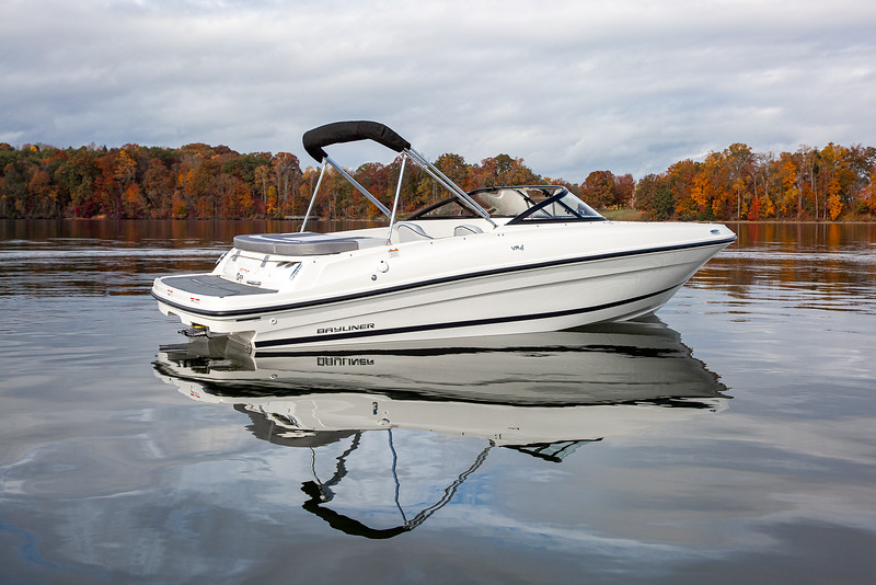 2021 Bayliner boat for sale, model of the boat is VR4 Bowrider & Image # 3 of 14
