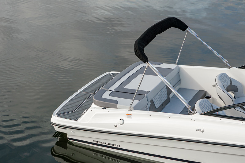 2021 Bayliner boat for sale, model of the boat is VR4 Bowrider & Image # 6 of 14