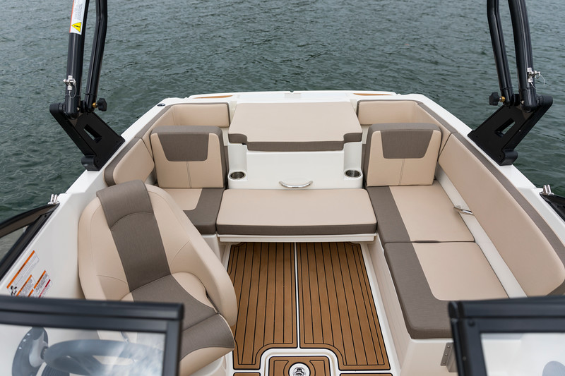 2021 Bayliner boat for sale, model of the boat is VR4 Bowrider - Outboard & Image # 14 of 18
