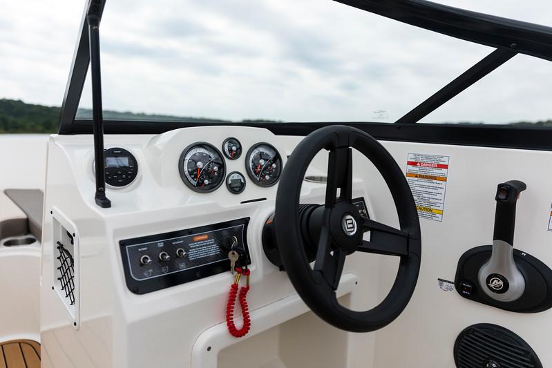 2021 Bayliner boat for sale, model of the boat is VR4 Bowrider - Outboard & Image # 8 of 18