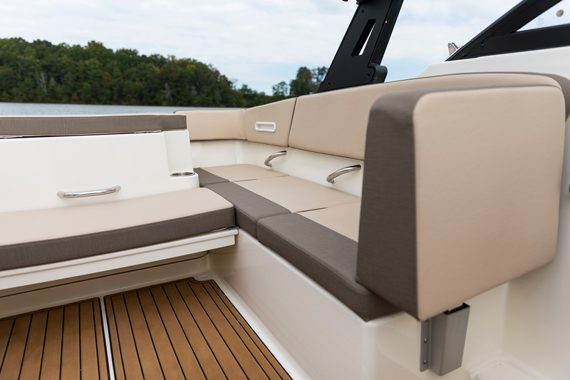 2021 Bayliner boat for sale, model of the boat is VR4 Bowrider - Outboard & Image # 13 of 18