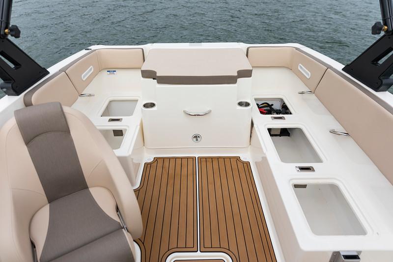 2021 Bayliner boat for sale, model of the boat is VR4 Bowrider - Outboard & Image # 16 of 18