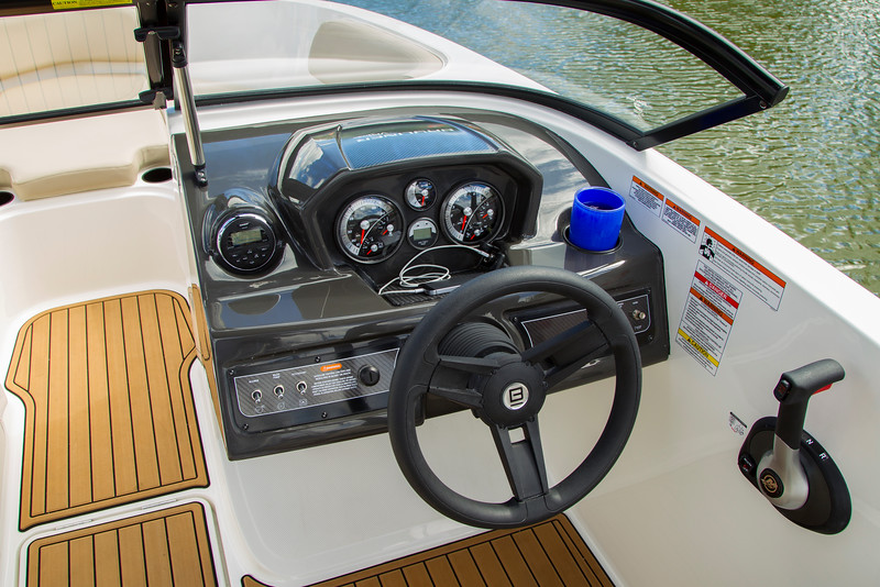2021 Bayliner boat for sale, model of the boat is VR6 Bowrider - Outboard & Image # 9 of 14