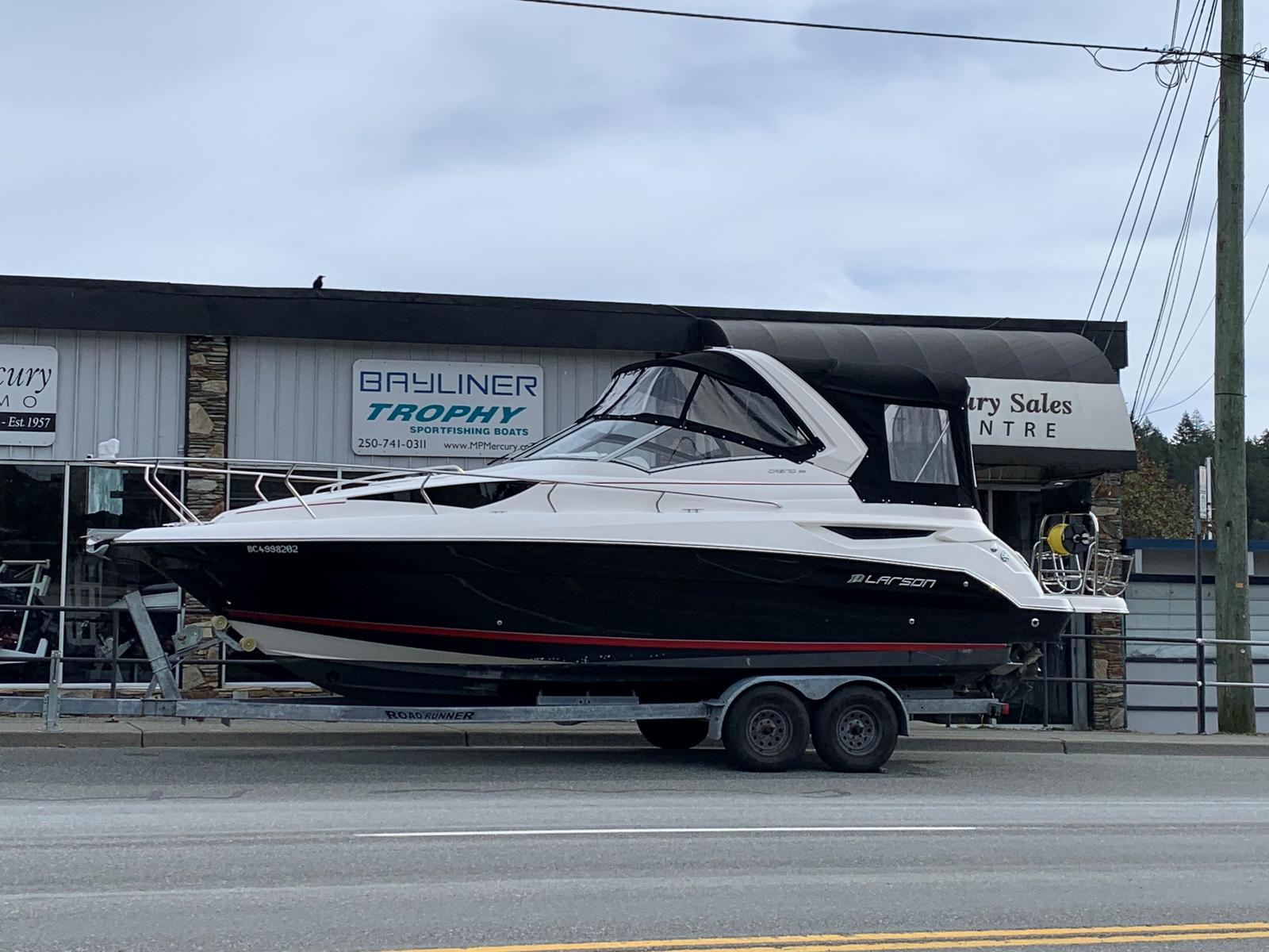2015 Larson boat for sale, model of the boat is Cabrio 285 & Image # 1 of 3