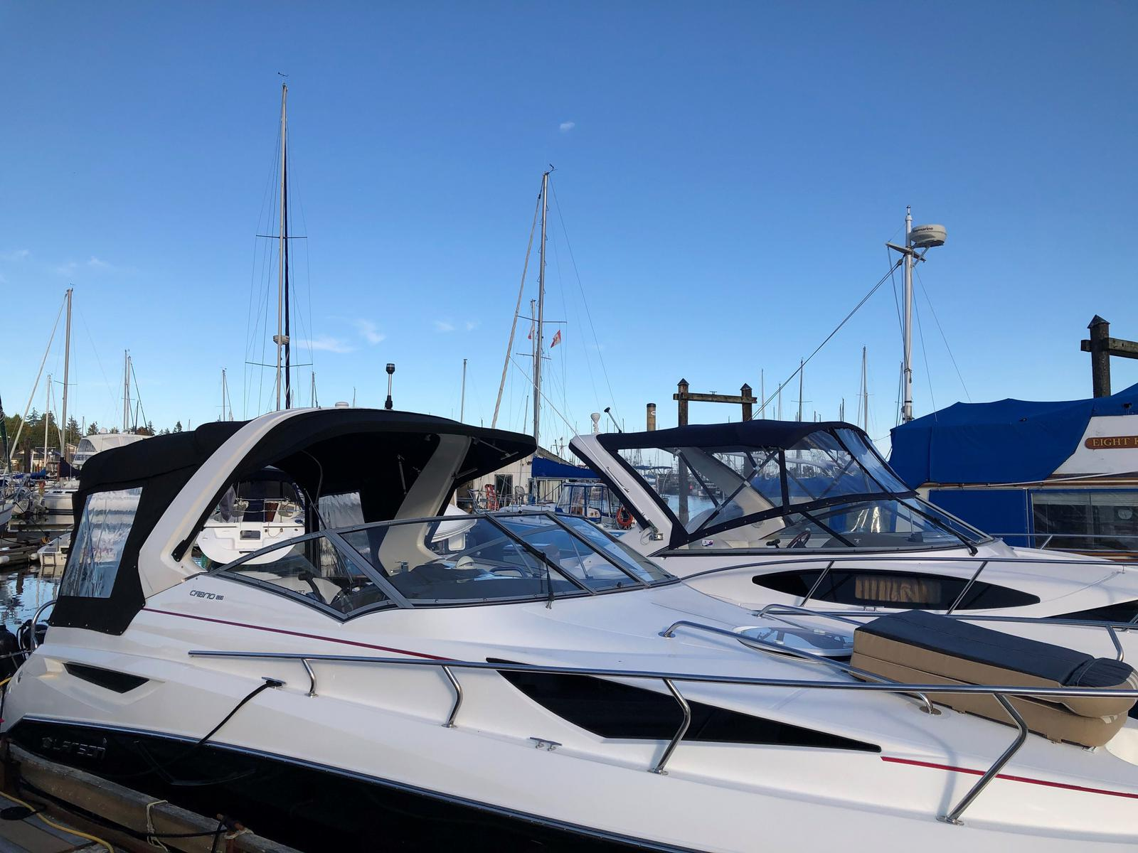 2015 Larson boat for sale, model of the boat is Cabrio 285 & Image # 2 of 3