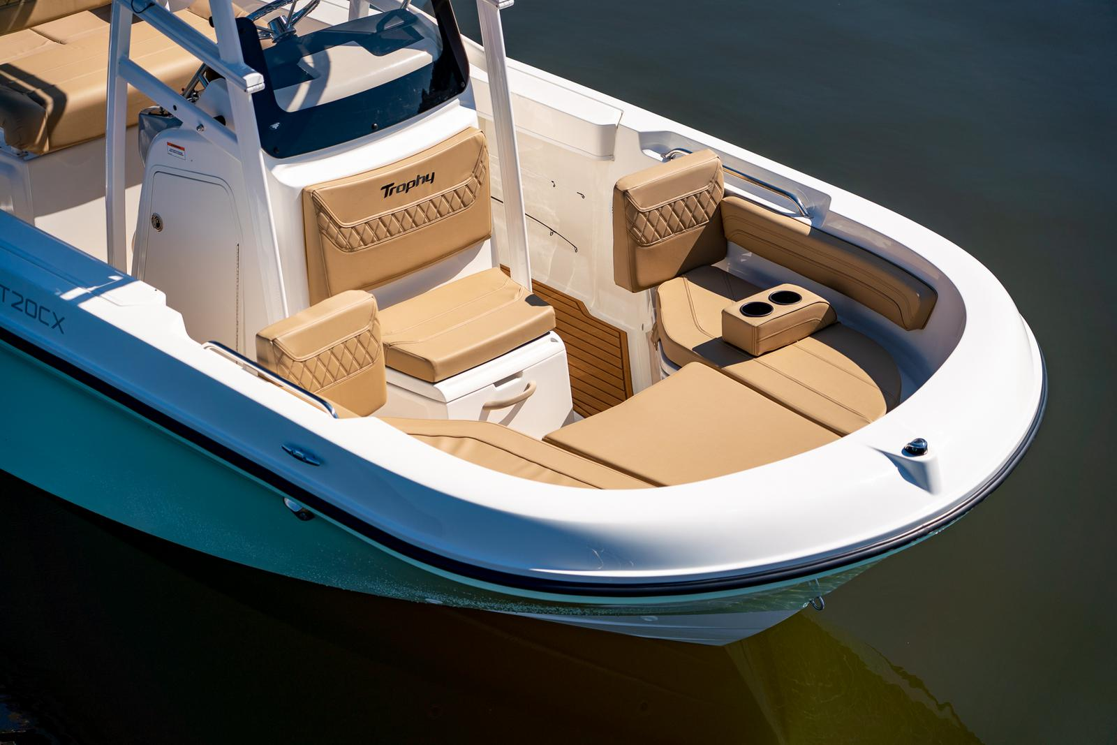 2021 Bayliner boat for sale, model of the boat is T20CC & Image # 4 of 7