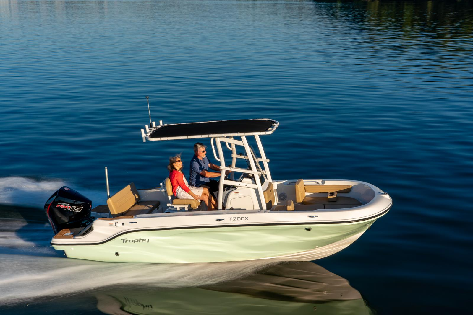 2021 Bayliner boat for sale, model of the boat is T20CC & Image # 1 of 7