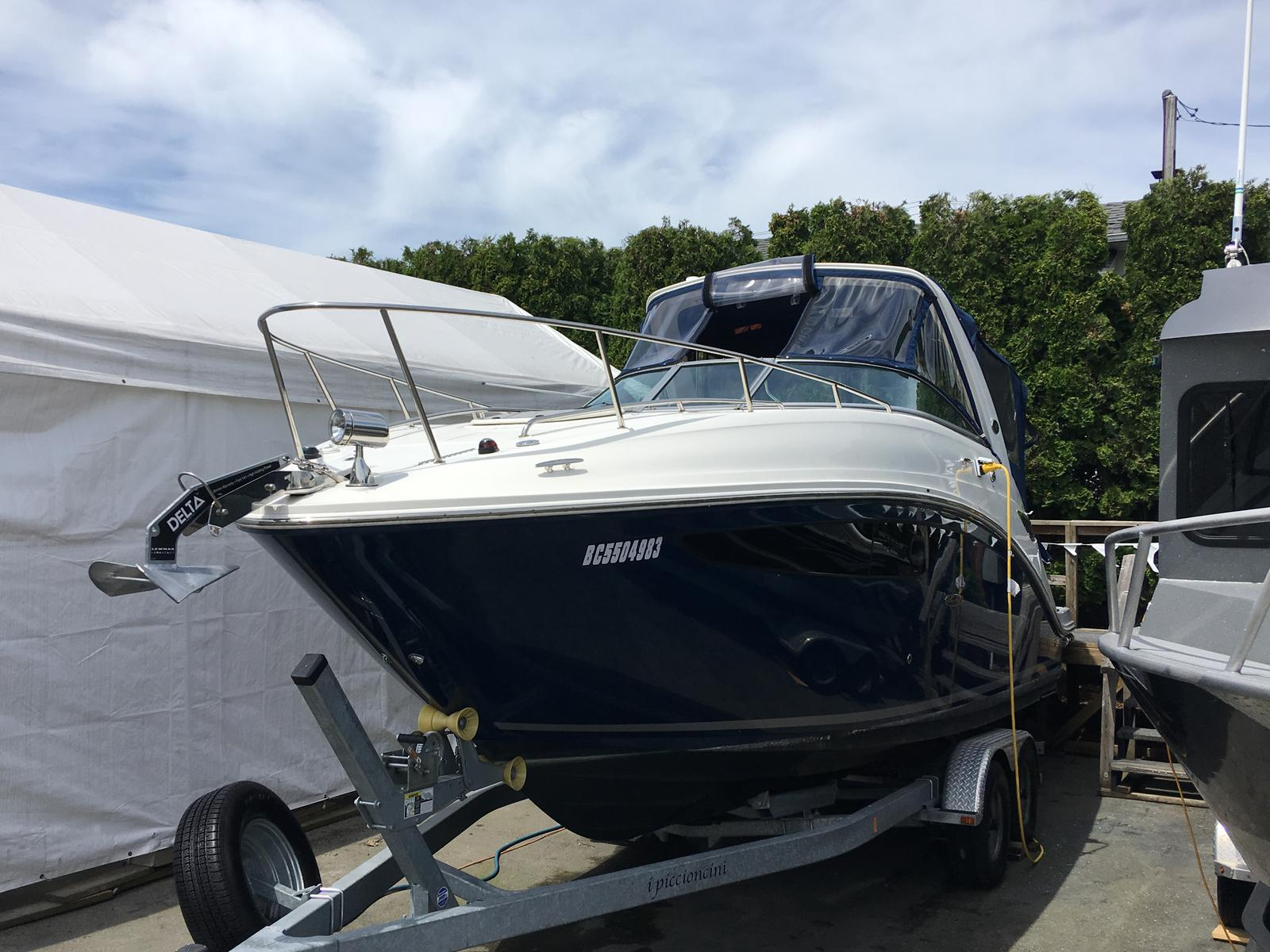 2017 Sea Ray boat for sale, model of the boat is Sundancer 260 & Image # 1 of 7