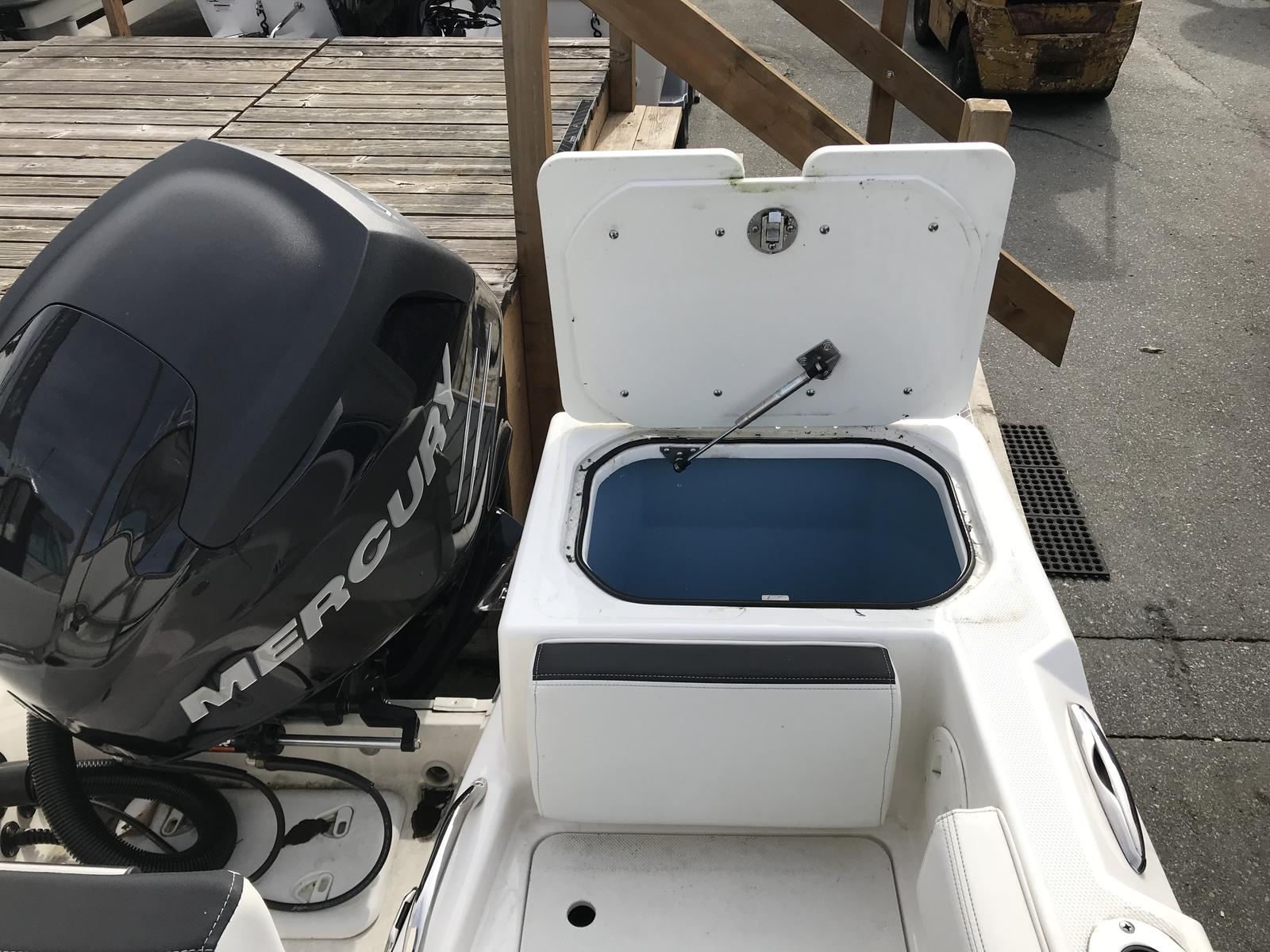 2017 Striper boat for sale, model of the boat is 200 Walkaround OB & Image # 3 of 4
