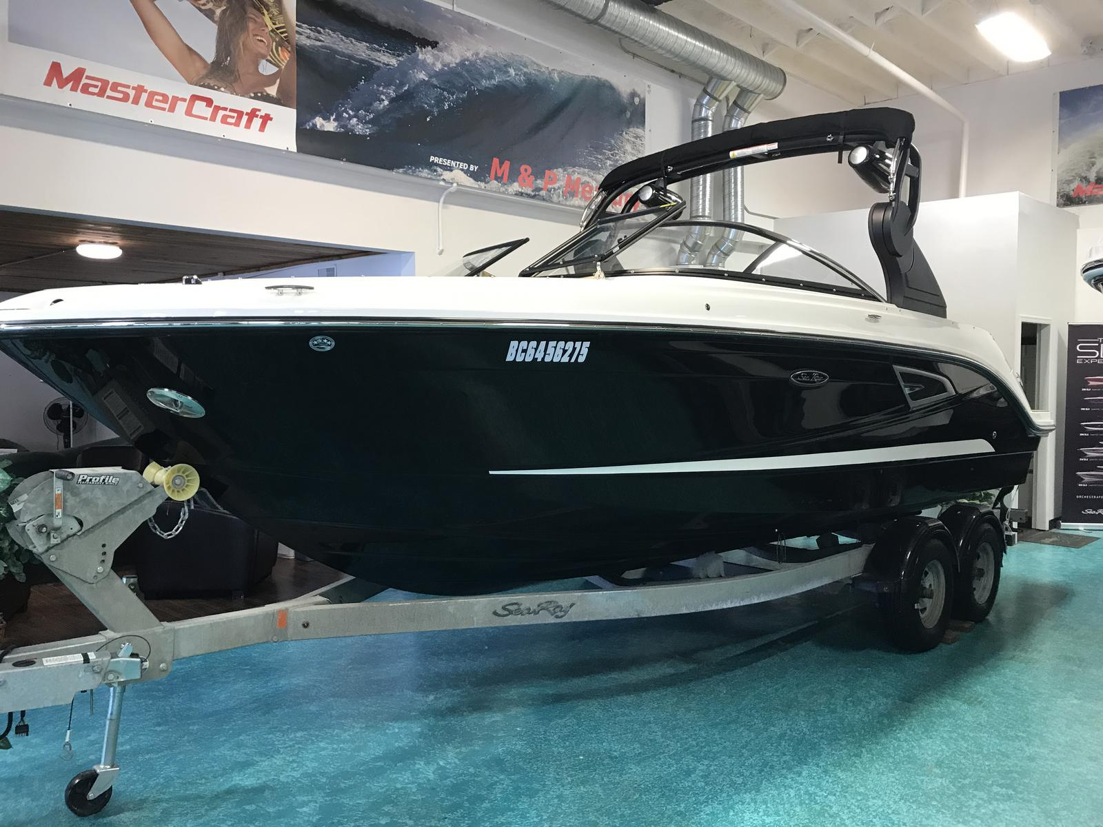 2019 Sea Ray boat for sale, model of the boat is SLX 230 & Image # 1 of 6