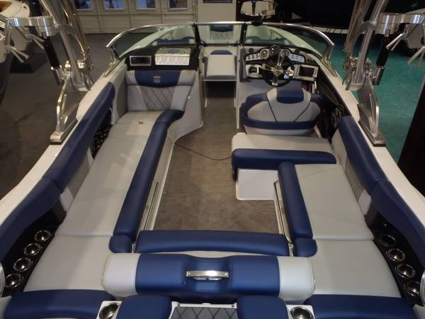 2015 Mastercraft boat for sale, model of the boat is X46 & Image # 3 of 7