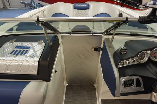 2015 Mastercraft boat for sale, model of the boat is X46 & Image # 4 of 7