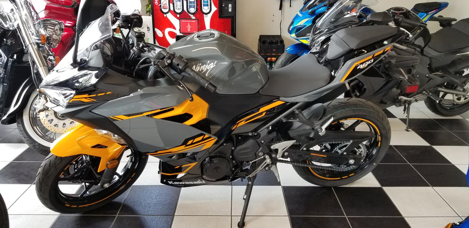 2018 Kawasaki Ninja 400 Abs Pearl Solar Yellowstorm Gray For