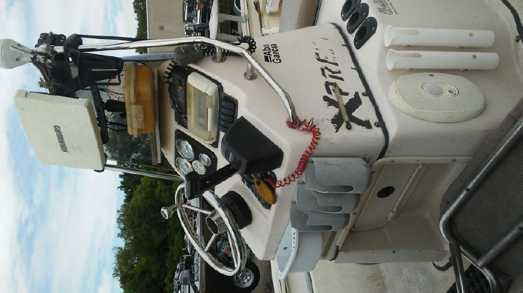 1993 Holiday Mansion boat for sale, model of the boat is Mediteranian Barracuda & Image # 4 of 13