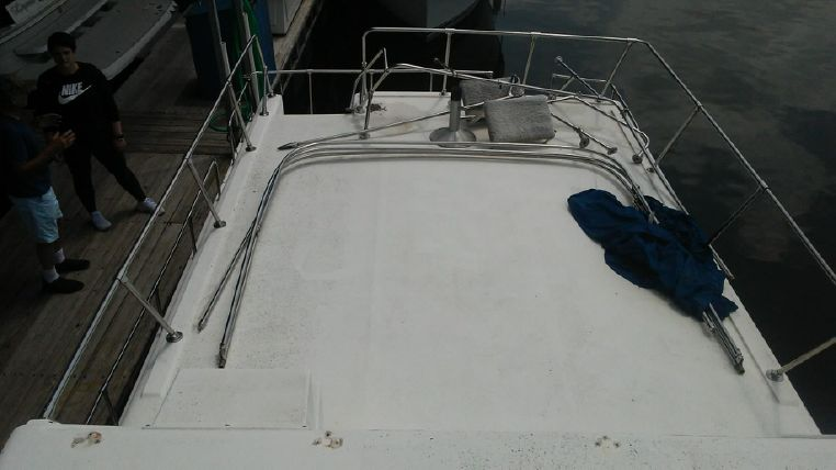1993 Holiday Mansion boat for sale, model of the boat is Mediteranian Barracuda & Image # 6 of 13